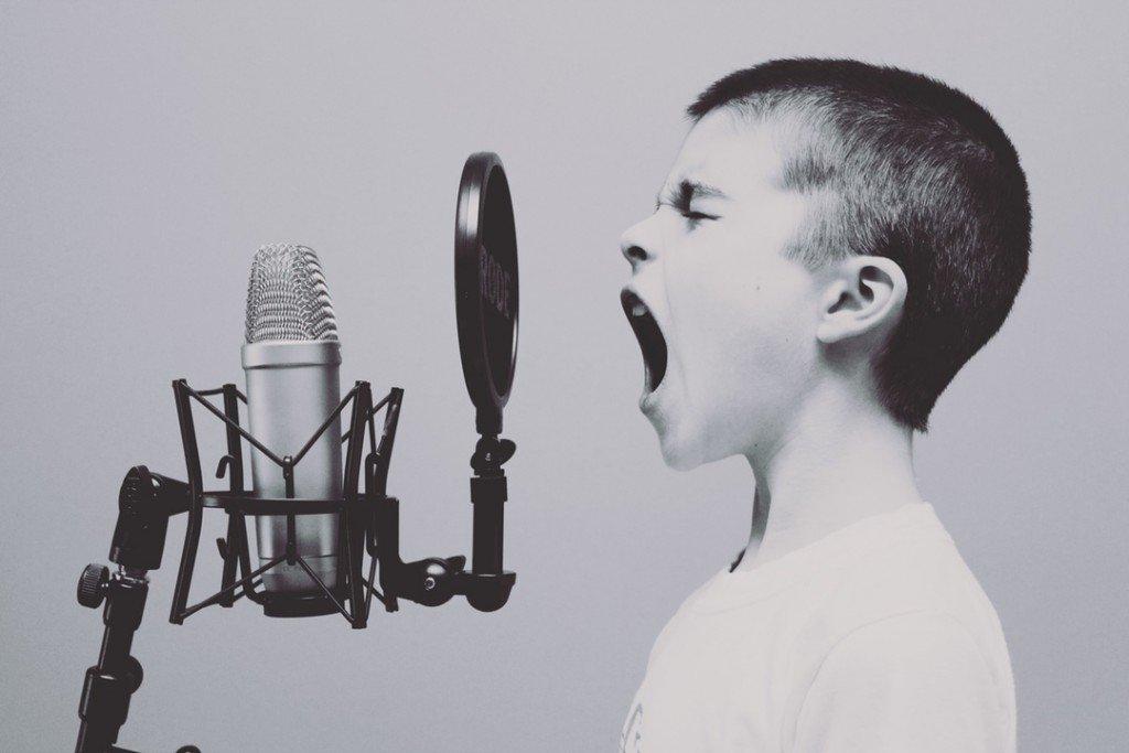 Schreibstil verbessern durch zuhören und reden